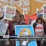Realizan vigilia contra la trata de personas en frontis de la Catedral