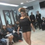 Juan Carlos Spa abre peluquería rodeado de modelos y figuras trujillanas