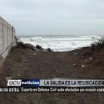Recomiendan reubicación de afectados por erosión costera