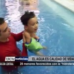 28 niños favorecidos con la hidroterapia