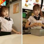 """""""La Diosa de McDonald's"""": Conoce a la trabajadora con rostro de muñeca"""