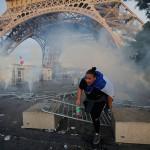 Eurocopa 2016: hinchas causan disturbios cerca de la Torre Eiffel