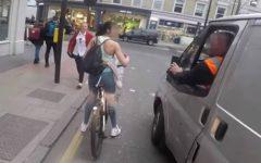 Ciclista se hizo respetar sorprendentemente
