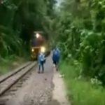 Turista chilena casi muere arrollada por tren en Cusco