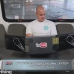 Así puedes fabricar una laptop de tres pantallas