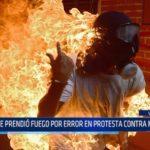 Venezuela: Se prendió fuego por error en protesta contra Maduro