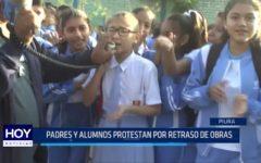 Piura: Padres y alumnos protestan por retraso de obras