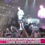 "Justin Bieber recibe botellazo por negarse a cantar ""Despacito"" en concierto"