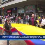 Colombia: Protestan en demanda de mejores salariales