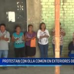 Piura: Protestan con olla común en exteriores de colegio