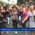 Trujillo: Comerciantes de la avenida España cierran la vía