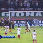 Universitario ganó 2-1 a Cantolao, con nueve hombres y volteando el partido
