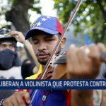 Venezuela: Liberan a violinista que protesta contra Maduro