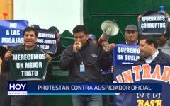 Trabajadores de Emtrafesa protestan contra Club de Leones