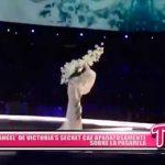 """""""Ángel"""" de Victoria's Secret cae aparatosamente sobre la pasarela"""
