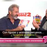 Mel Gibson y John Lithgow recibieron retablos ayacuchanos