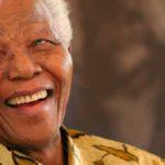 Nace Nelson Mandela