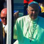 Papa Francisco se prepara para dirigirse a la explanada de Huanchaco