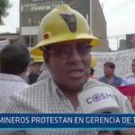 Trujillo: Mineros protestan en gerencia de trabajo