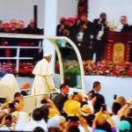 Papa Francisco hace su llegada a la Plaza Mayor para la celebración de misa