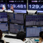 Bolsas europeas y asiáticas caen 2,3% tras debacle de Wall Street