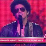 Internacional: Pareja se compromete durante concierto de Bruno Mars