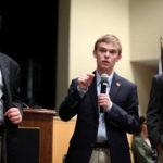 Jóvenes adolescentes compiten por ser el próximo gobernador de Kansas