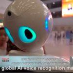 Un médico robot comienza  a tratar pacientes en un ambulatorio de China