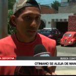 Bryan Otiniano se aleja de Mannucci