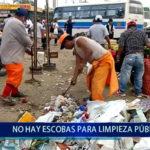 Piura: No hay escobas para limpieza pública