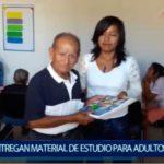 Piura: Entregan material de estudio para Adultos Mayores