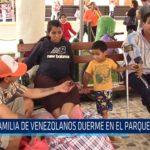 Chiclayo: Familia de venezolanos duerme en el parque principal