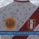 Chiclayo : Firman camiseta de la selección en Museo Tumbas Reales