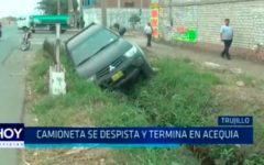 Trujillo: Camioneta se despista y termina en acequia