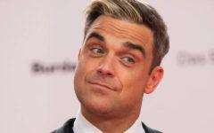 Robbie Williams explicó su polémico gesto durante la inauguración del Mundial Rusia 2018