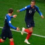 Francia venció a Uruguay por 2-0 y accedió a semifinales