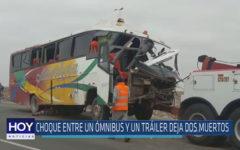 Chiclayo : Choque entre un ómnibus y un tráiler deja dos muertos