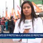 Militantes de FP protestan a las afueras de Prefectura
