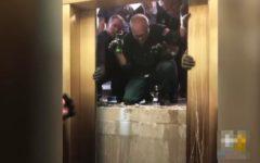 USA: Seis personas sobreviven a una caída de 84 pisos en un ascensor en Chicago