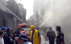 Incendio en Mesa Redonda: Fuego consume galería del jirón Cusco