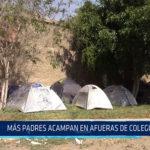 Chiclayo: Más padres acampan en afueras de colegio inicial