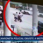 Piura: Camioneta policial enviste a motociclista
