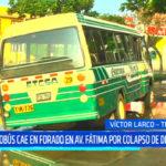 Microbús cae en forado en avenida Fátima por colapso de desagüe