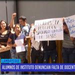 Chiclayo: Alumnos de instituto denuncian falta de docentes de estudiar