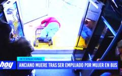 Anciano muere tras ser empujado por mujer en bus
