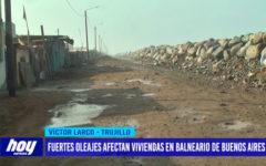 Fuertes oleajes afectan viviendas en balneario de Buenos Aires
