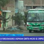 Extorsionadores disparan contra microbús de empresa California