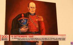 El presidente Castilla le otorga medalla y diploma al coronel José Andrés Rázuri