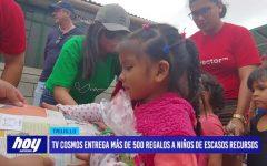 TV Cosmos entrega más de 500 regalos a niños de escasos recursos